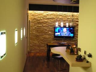Ristrutturazione di un appartamento privato: Soggiorno in stile in stile Moderno di Studio d'Architettura 'Leptis Magna'