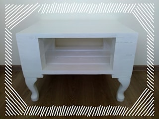 Niepowtarzalny biały stolik z palet: styl , w kategorii  zaprojektowany przez Gruszki na Wierzbie