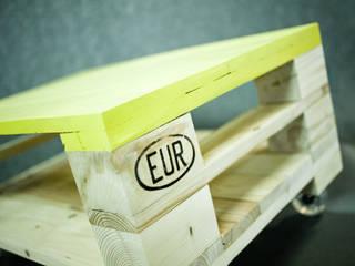 Oryginalny stolik z palet z kolorowym blatem: styl , w kategorii  zaprojektowany przez Gruszki na Wierzbie