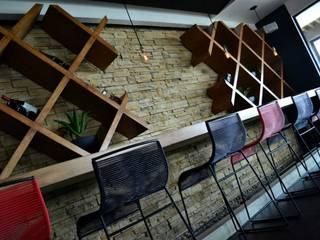 Proyecto de Iluminación. Bares y clubs de estilo industrial de Habanero Mobiliario Industrial