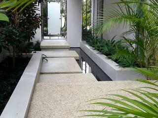 Applecross Jardins modernos por Project Artichoke Moderno