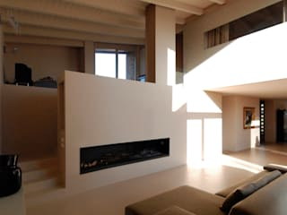 Casa Manfredi _ il doppio volume d'ingresso Soggiorno moderno di LDA.iMdA architetti associati Moderno