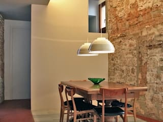 Casa Julia bellafilarquitectes Comedores de estilo moderno