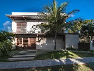Jardines de estilo tropical de Roncato Paisagismo e Comércio de Plantas Ltda Tropical