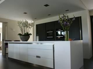 Moderne Küchen von Harold Laenen Architectuur Modern