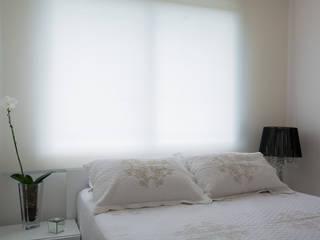 Lindoia Apartment Minimal style window and door by Bibiana Menegaz - Arquitetura de Atmosfera Minimalist