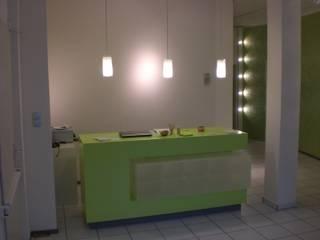 Empfangstheke:  Praxen von Ralf Kleynewegen Interieur Design