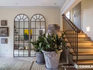 Moderne gangen, hallen & trappenhuizen van MARIANGEL COGHLAN Modern