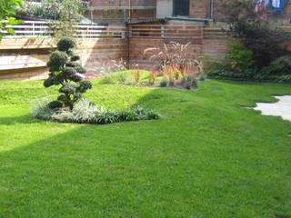 Un giardino moderno a Venezia di ESTERNIDAUTORE Moderno