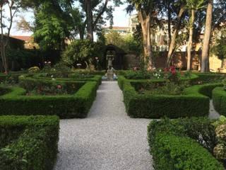 Un Giardino storico a Venezia. di ESTERNIDAUTORE Classico