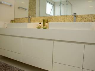 banheiro Baños modernos de 2d arquitetura decoração e design Moderno