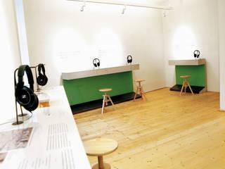 Beethovenhaus - Museum Baden bei Wien: modern  von Schwarzott Einrichtungshaus & Werkstätte,Modern