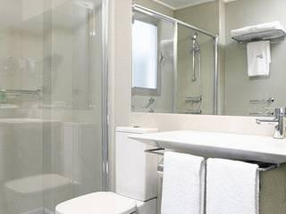 SUELOS Y PAREDES SIN OBRAS Minimalist bathroom