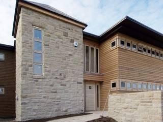 Wharfe Bank, Private House Casas de estilo ecléctico de Wildblood Macdonald Ecléctico