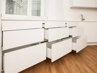 Küche Weiß 01:   von Tischler Benjamin Scherz