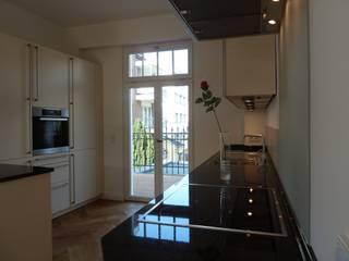 Haus eines Musikers Klassische Küchen von waldorfplan architekten Klassisch