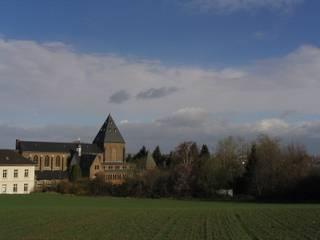 Priesterseminar im Kloster Klassische Häuser von waldorfplan architekten Klassisch