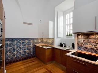 Cozinha: Cozinhas modernas por Home Staging Factory