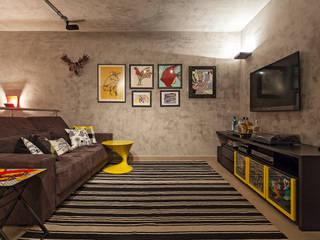 Living room by Amis Arquitetura e Decoração, Eclectic