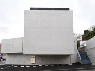 F House and Studio: 有限会社クリエデザイン/CRÉER DESIGN Ltd.が手掛けた家です。