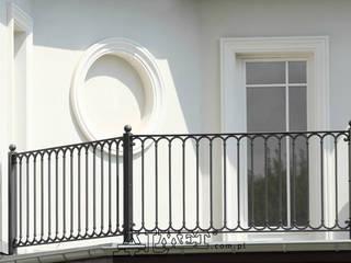 ALMET Kowalstwo Artystyczne Balcone, Veranda & TerrazzoAccessori & Decorazioni