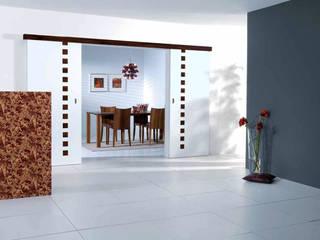 Holz Pirner GmbH モダンデザインの リビング