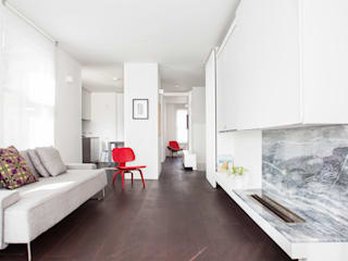 APARTMENT IN AMBERGATE STREET, Kennington, London, 2012 Minimalist living room by Francesco Pierazzi Architects Minimalist