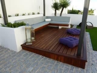 Ángel Méndez, Arquitectura y Paisajismo Balcones y terrazas de estilo minimalista