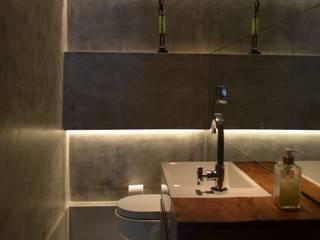 Apto Moema: Banheiros  por Compondo Arquitetura,Moderno