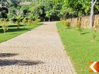 Jardines de estilo rústico de Estância Pedras Rústico