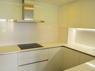 REFORMA PISO DE 82 m2 Cocinas de estilo minimalista de KALEIDOSCOPE Gestión Integral de Proyectos Minimalista