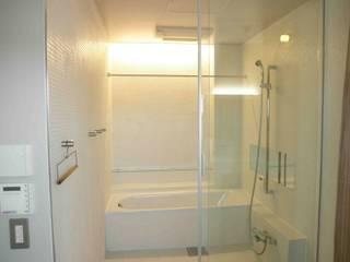 浴室 by ティー・ケー・ワークショップ一級建築士事務所