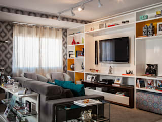 Eclectic style living room by Biarari e Rodrigues Arquitetura e Interiores Eclectic
