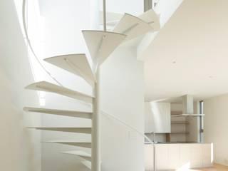 sha-la モダンスタイルの 玄関&廊下&階段 の e do design 一級建築士事務所 モダン