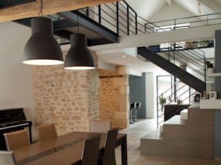 Longère: Salle à manger de style  par LUCAS Maitrise d'Oeuvre