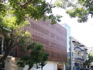 Molokan Garden Pasha Car Park Garajes de estilo moderno de Tolga Archıtects Moderno