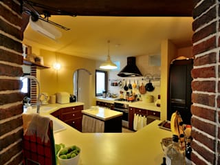 Dapur Gaya Rustic Oleh HAPTIC HOUSE Rustic