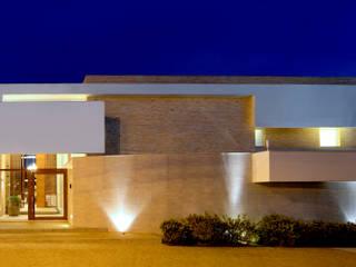 LM: Casas  por Terinn Arquitetura e Mobiliário Ltda,