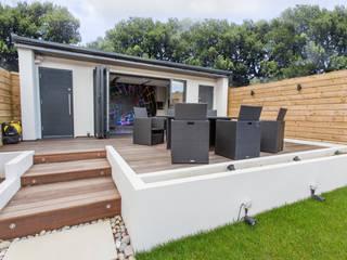 Giardino in stile in stile Moderno di GK Architects Ltd