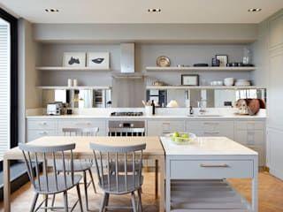 Hillcrest: modern Kitchen by De Rosee Sa