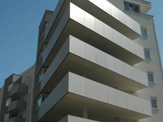 """living and office building """"Geistesblitz"""" Moderne Häuser von Architect DI Johannes Roithner Modern"""