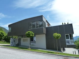 Mit der Fassadenverklebung zeigt Klebexperte DKS seine Kernkompetenz:  Bürogebäude von DKS Technik GmbH