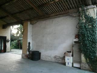 Ristrutturazione abitazione rurale di Atelier Lucia Moderno