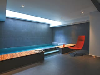 Ladbroke Road Modern pool by CUBIC Studios Limited Modern