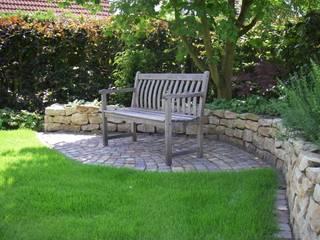 Modern Garden by Tina Brodkorb Landschaftsarchitektur Modern