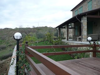 Adatepe Projesi Rustik Balkon, Veranda & Teras EKa MİMARLIK Rustik
