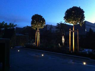 Tuin bij nacht:  Tuin door Studio Jasper Interior | Furniture