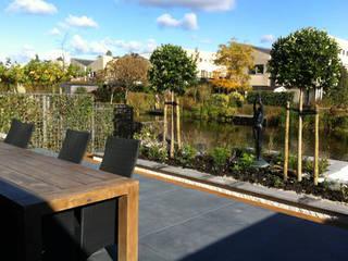 Tuin Capelle aan de IJssel:  Tuin door Studio Jasper Interior | Furniture, Modern