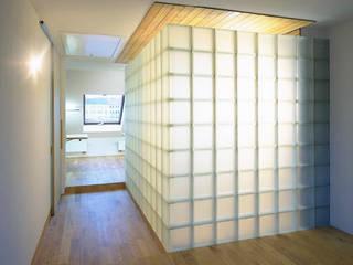 Glaskubus:  Badezimmer von Atelier Thomas Grögler