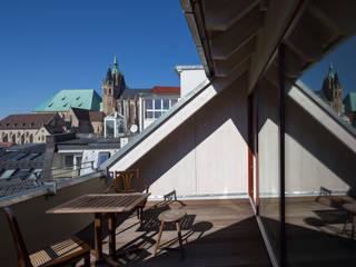 Wohnen im Holzhaus mitten in der Stadt Klassischer Spa von Architektin Tanja Ernst-Adams Klassisch